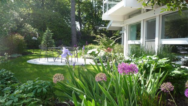 garden design for a surrey huf haus. Black Bedroom Furniture Sets. Home Design Ideas